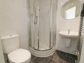 Apartment 1, 10 Marian y Mor - North Wales - 967864 - thumbnail photo 11