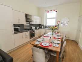 Apartment 1, 10 Marian y Mor - North Wales - 967864 - thumbnail photo 4