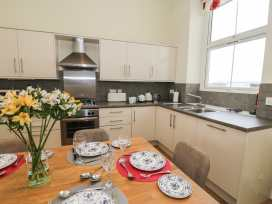 Apartment 1, 10 Marian y Mor - North Wales - 967864 - thumbnail photo 6