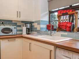 Glebe Hall Apartment - Whitby & North Yorkshire - 969177 - thumbnail photo 4