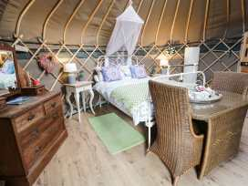 The Yurt - North Wales - 969267 - thumbnail photo 4