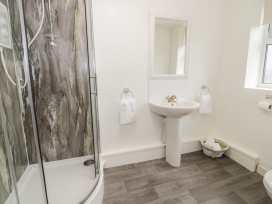 K&S Apartment - North Wales - 969569 - thumbnail photo 13