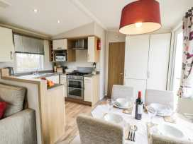 The Chalet at Cresita - Anglesey - 970293 - thumbnail photo 9