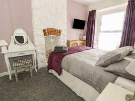 Castle Apartment - North Wales - 971546 - thumbnail photo 12