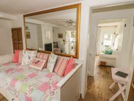 April Cottage - Cotswolds - 972141 - thumbnail photo 15
