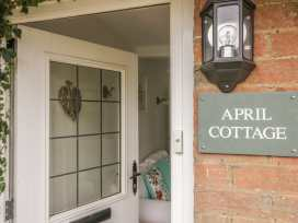 April Cottage - Cotswolds - 972141 - thumbnail photo 2