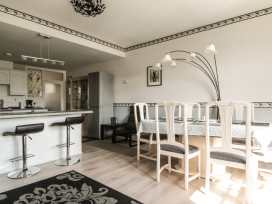 Boyles Town Centre Apartment - Lake District - 972566 - thumbnail photo 7