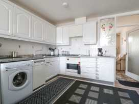 Boyles Town Centre Apartment - Lake District - 972566 - thumbnail photo 9