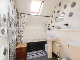 Boyles Town Centre Apartment - Lake District - 972566 - thumbnail photo 10