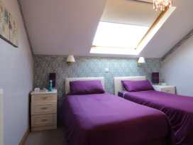 Boyles Town Centre Apartment - Lake District - 972566 - thumbnail photo 14