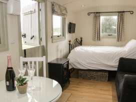 Shepherds Hut - Shropshire - 972797 - thumbnail photo 6
