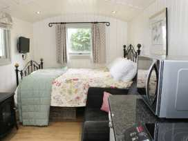 Shepherds Hut - Shropshire - 972797 - thumbnail photo 7