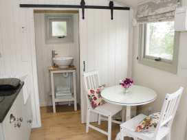 Shepherds Hut - Shropshire - 972797 - thumbnail photo 11