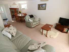 16 Heron Gardens - Norfolk - 973883 - thumbnail photo 3
