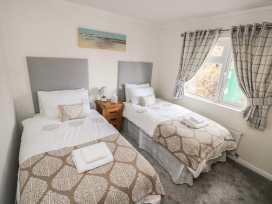 Lodge 66 - South Wales - 975043 - thumbnail photo 8