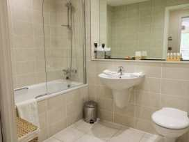 Scarborough Apartments - Two Bed (1) - Whitby & North Yorkshire - 975361 - thumbnail photo 13
