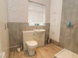 1 Sandy Lane - North Wales - 977325 - thumbnail photo 11