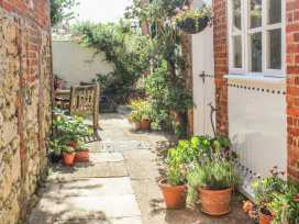 Pinings Yard - Isle of Wight & Hampshire - 977684 - thumbnail photo 4