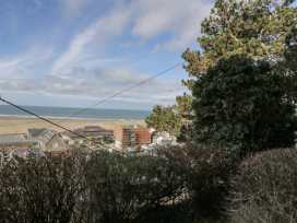 Seaview Apartment - North Wales - 977688 - thumbnail photo 2