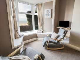 Seaview Apartment - North Wales - 977688 - thumbnail photo 6