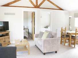 Hill View Lodge 2 - Shropshire - 980650 - thumbnail photo 3