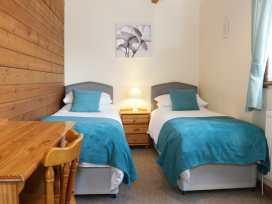 Hill View Lodge 3 - Shropshire - 980652 - thumbnail photo 10
