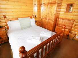 Lodge 8 - Lincolnshire - 981519 - thumbnail photo 13