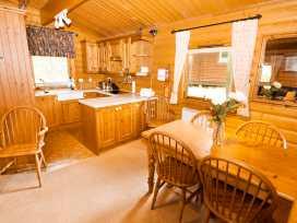 Lodge 8 - Lincolnshire - 981519 - thumbnail photo 5