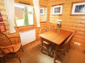 Lodge 8 - Lincolnshire - 981519 - thumbnail photo 7