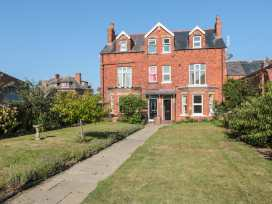 Flat 2, Mindello House - Whitby & North Yorkshire - 981616 - thumbnail photo 1
