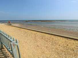 Coast Watch Cottage - Isle of Wight & Hampshire - 982430 - thumbnail photo 15