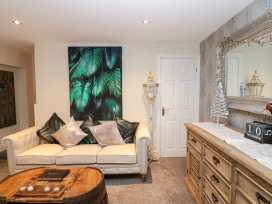 4 Stanhope Castle Mews - Yorkshire Dales - 982570 - thumbnail photo 5