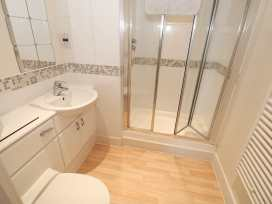 Flat 136 - South Wales - 983429 - thumbnail photo 11