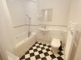 Flat 136 - South Wales - 983429 - thumbnail photo 12