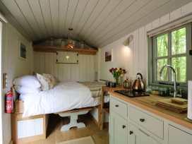 Rock View Shepherd's Hut - Devon - 983802 - thumbnail photo 5
