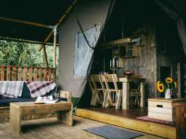 Stellar Safari Lodge - Mid Wales - 984103 - thumbnail photo 4