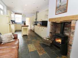 8 Wilton Road - Whitby & North Yorkshire - 984696 - thumbnail photo 5