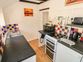 No. 2 New Cottages - South Wales - 987506 - thumbnail photo 6