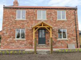Cherry Tree Cottage - Whitby & North Yorkshire - 988068 - thumbnail photo 1