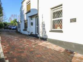 Tembo's Rest - Kent & Sussex - 988521 - thumbnail photo 2