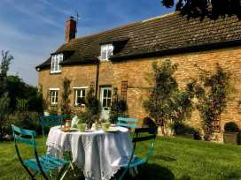 Starlight Cottage - Cotswolds - 988608 - thumbnail photo 1