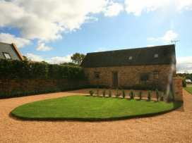 The Old Milking Barn - Cotswolds - 988633 - thumbnail photo 2