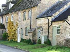 Maple Cottage - Cotswolds - 988656 - thumbnail photo 1