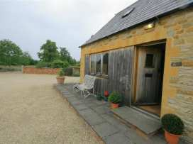 The Granary Cottage - Cotswolds - 988674 - thumbnail photo 1