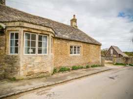 The Old Dairy - Cotswolds - 988797 - thumbnail photo 2