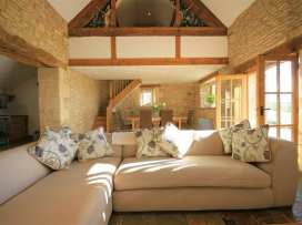 Calcot Peak Barn - Cotswolds - 988803 - thumbnail photo 3