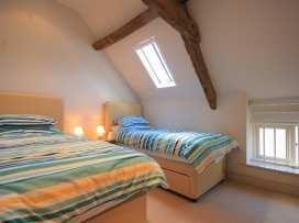 Malt Barn - Cotswolds - 988842 - thumbnail photo 16