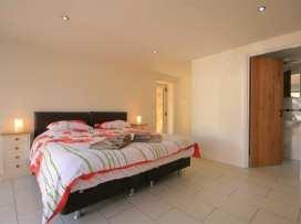 Malt Barn - Cotswolds - 988842 - thumbnail photo 24