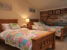 Nadder Barn - Somerset & Wiltshire - 988868 - thumbnail photo 12