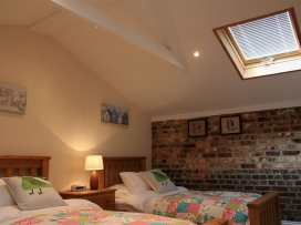 Nadder Barn - Somerset & Wiltshire - 988868 - thumbnail photo 13